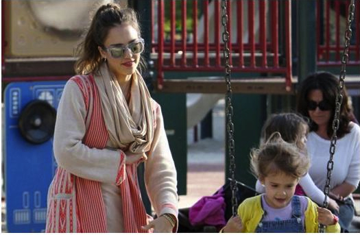 Jessica Alba Celebrity Mom Style: Maternal & Comfy Chic