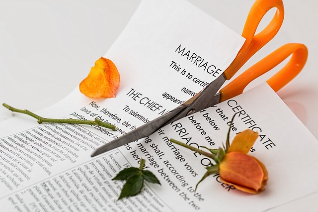 When a Marriage Ends: Ways to Have a Healthier Divorce