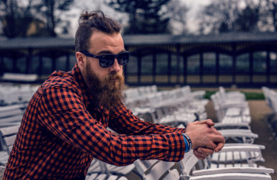 Conforming to Subculture? 4 Signs That You Actually Might Be a Hipster