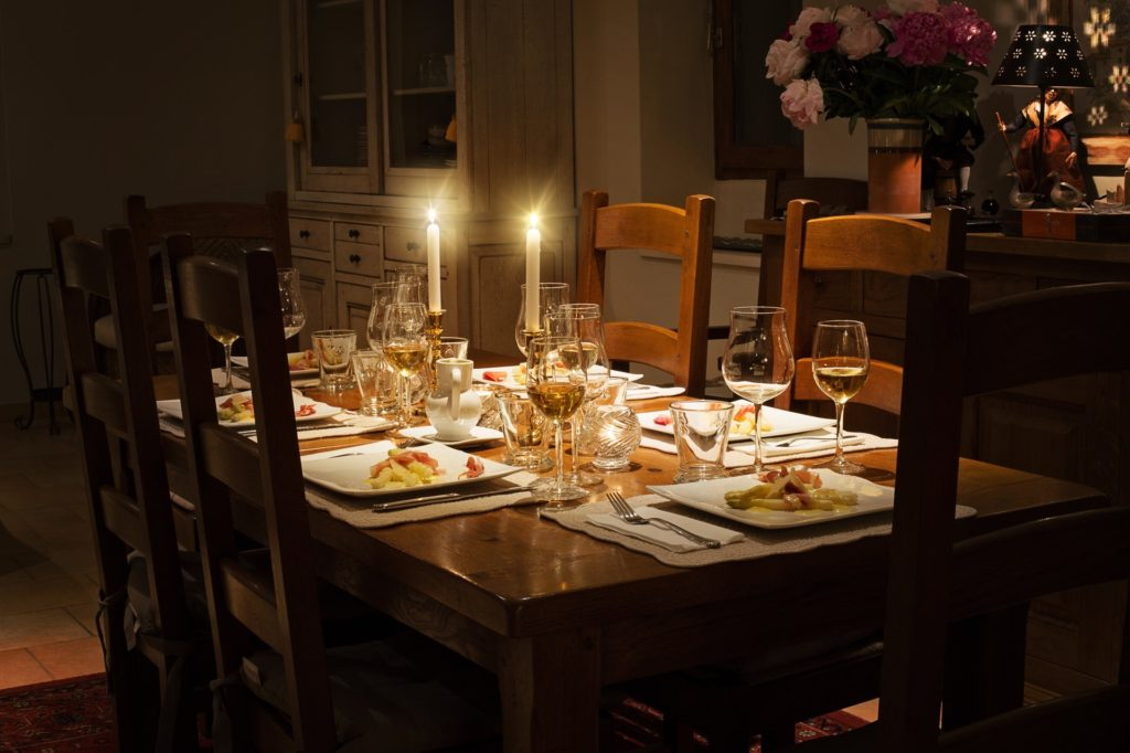 3 Timeless Decorating Ideas for Your Next Dinner Party