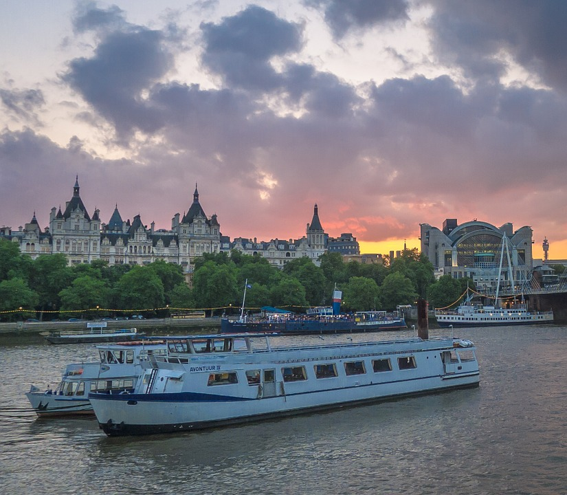 Lunch and Dinner Cruises along the River Thames: Memories Are Made of These!