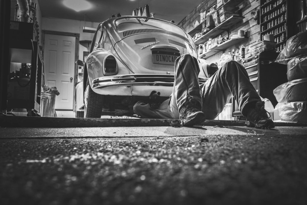 How Can You Become a Salvage Car Business Entrepreneur?