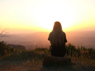 4 Signs You Desperately Need More Alone Time