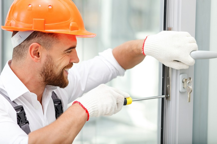 What to See While Hiring A Commercial Locksmith?