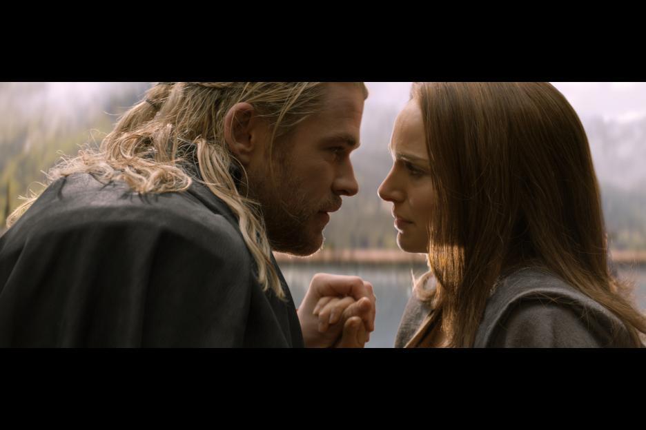 Thor: The Dark World - Thor and Jane foster