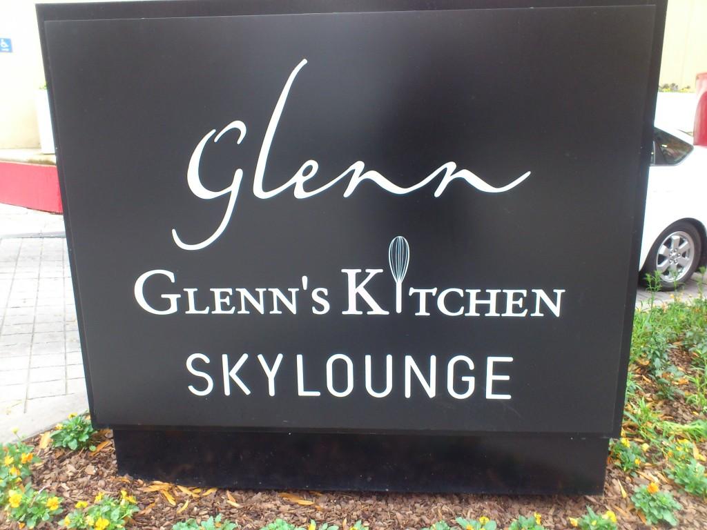 Glenn Hotel Glenn's Kitchen SkyLounge Atlanat