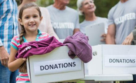 4 Service Projects to Teach Your Kids the Gift of Giving