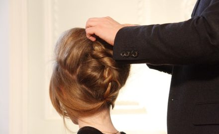Party Time? 10 Easy and Simple Hair Styles for Oily Hair and Look Stylish