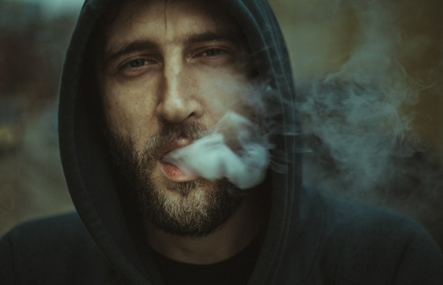 Public Vaping Best Practices: How To Spark Up Without Getting Everyone Down