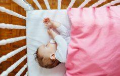 Organic Crib Mattress Versus Regular Crib Mattress for Your Baby's Sleep!