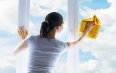 5 Benefits for Busy Moms Who Engage a Cleaning Service