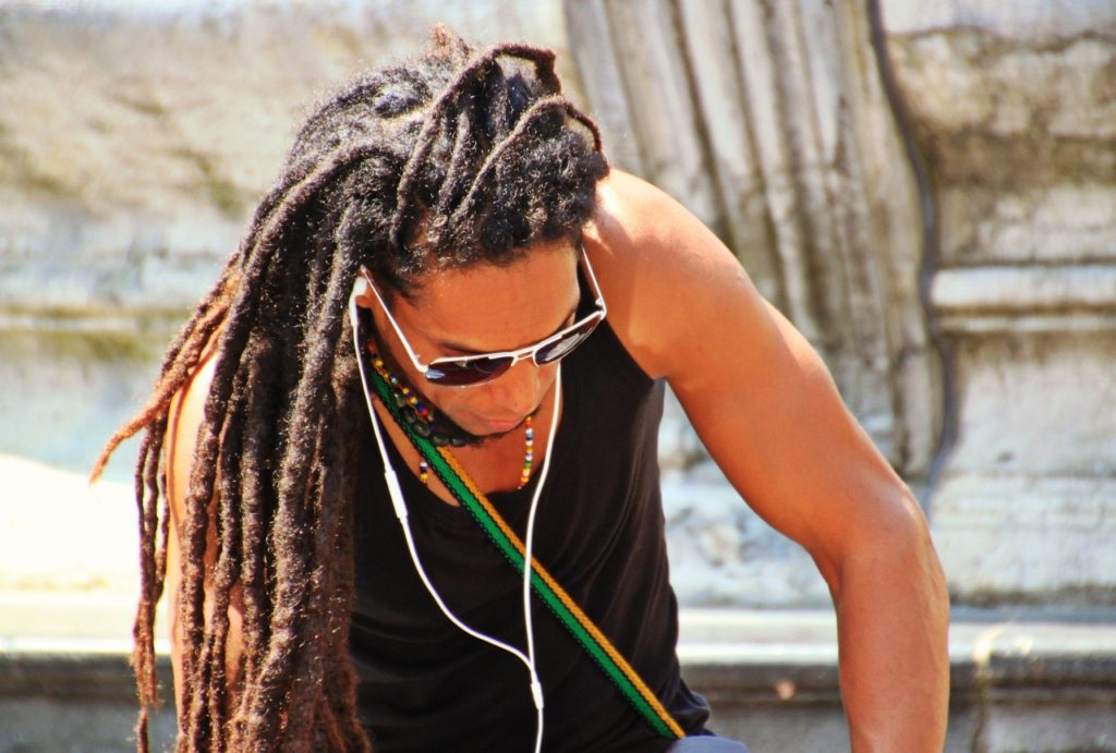 Luscious Locks for Men: 4 Care Tips to Consider If You Have Long Hair