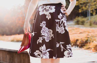 7 Fashion Hacks for Petite Women