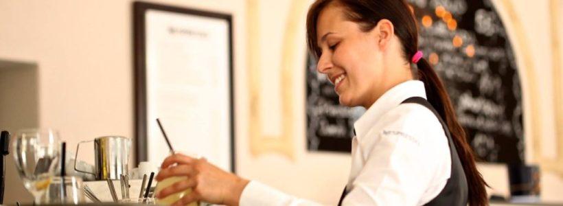 How To Make A Decent Living As A Restaurant Server