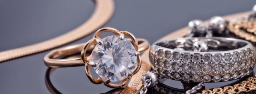 Top 5 reasons why you should consider buying gold jewelry