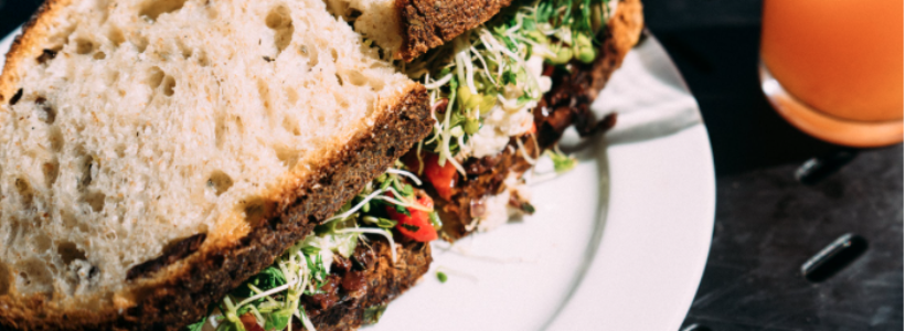 Stop & Eat! Top Reasons to Never Skip Lunch During a Work Day